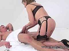 Lady Sonia-Draining Jason`s hose before Massage